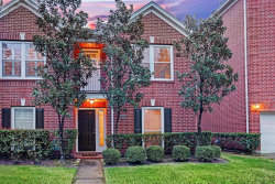 Photo of 926 E Heights Hollow Lane, Houston, TX 77007 (MLS # 80568610)