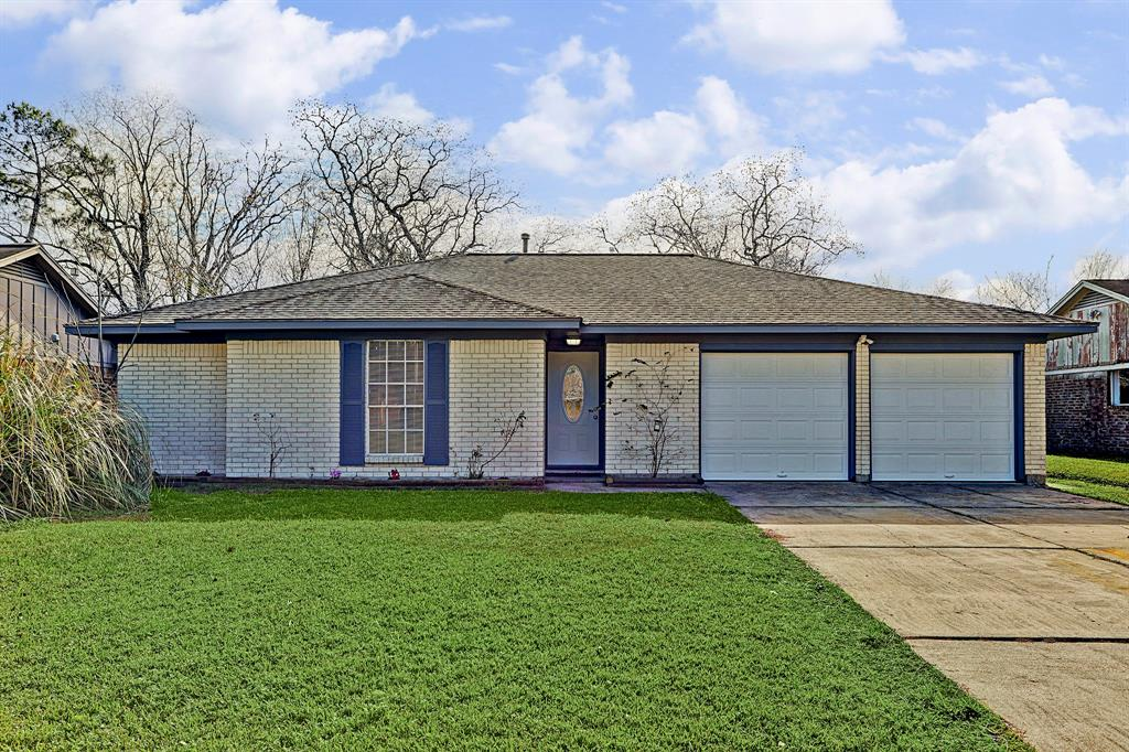 Photo for 3203 Whitesail Drive, League City, TX 77573 (MLS # 10164400)