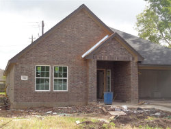 Photo of 312 Yorktown Avenue, Clute, TX 77531 (MLS # 13334334)