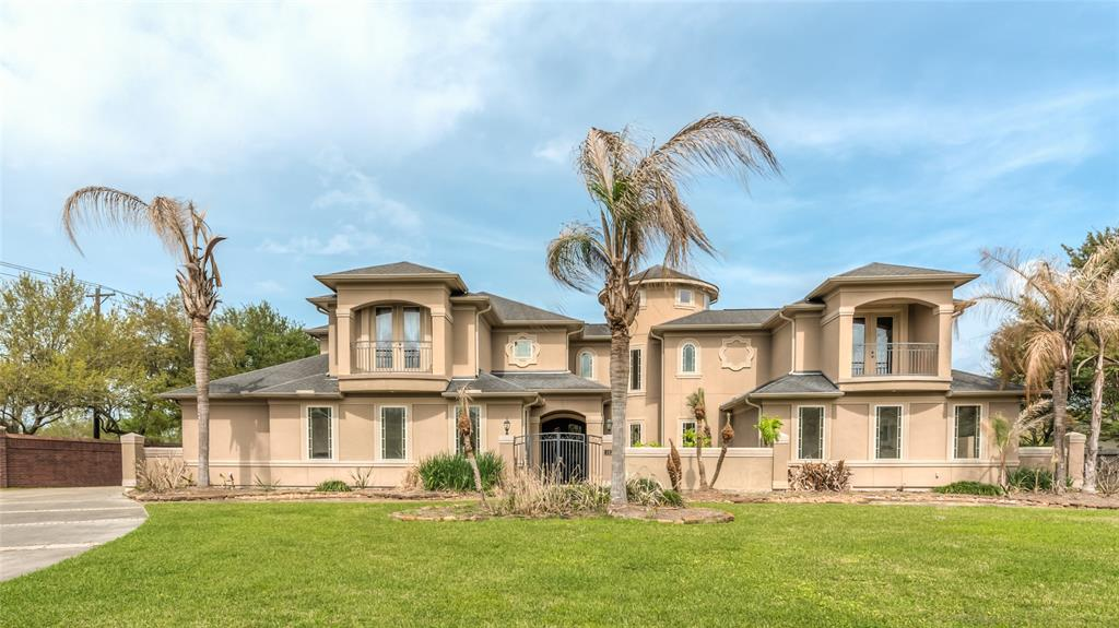 Photo for 102 CENTURY DRIVE, Friendswood, TX 77546 (MLS # 13496021)