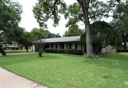Photo of 132 Tulip Trail, Lake Jackson, TX 77566 (MLS # 17717029)