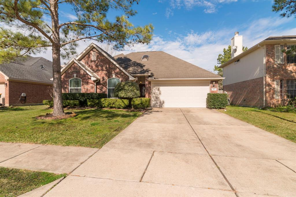 Photo for 4927 Linden Place, Pearland, TX 77584 (MLS # 2118491)