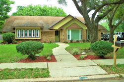 Photo of 111 Flag Drive E, Lake Jackson, TX 77566 (MLS # 21880999)