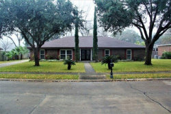 Photo of 103 Live Oak Lane, Lake Jackson, TX 77566 (MLS # 23885200)