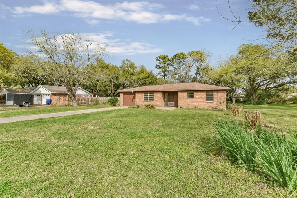 Photo for 314 S East Road, Texas City, TX 77591 (MLS # 26109071)