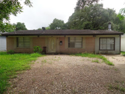 Photo of 231 W Orchard Street, Clute, TX 77531 (MLS # 27051414)