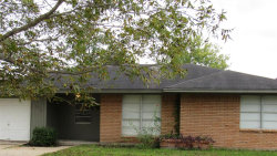 Photo of 107 S Magnolia Street, Lake Jackson, TX 77566 (MLS # 28686149)