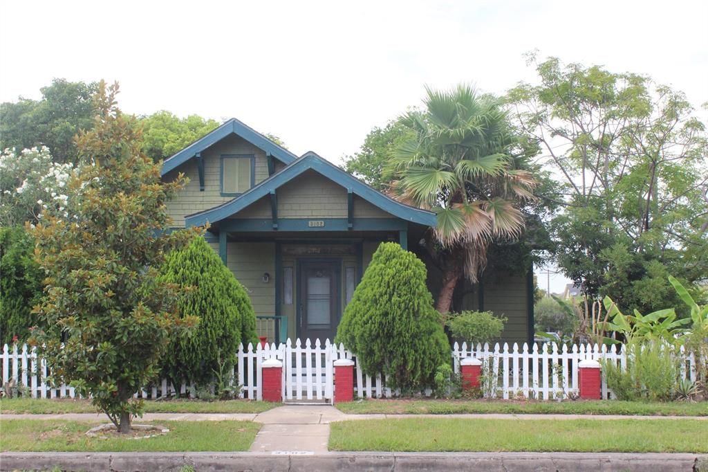 Photo for 3102 Avenue Q, Galveston, TX 77550 (MLS # 29620942)