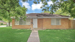Photo of 122 W Riverwood Drive, Houston, TX 77076 (MLS # 30388442)