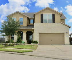 Photo of 1403 Lindenwood Cliff, Pearland, TX 77581 (MLS # 31134835)
