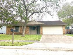 Photo of 5102 Chateaux Drive, Bay City, TX 77414 (MLS # 34386305)