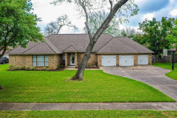 Photo of 220 Dewberry Drive, Lake Jackson, TX 77566 (MLS # 38576997)