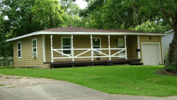 Photo of 418 Winding Way, Lake Jackson, TX 77566 (MLS # 41139569)