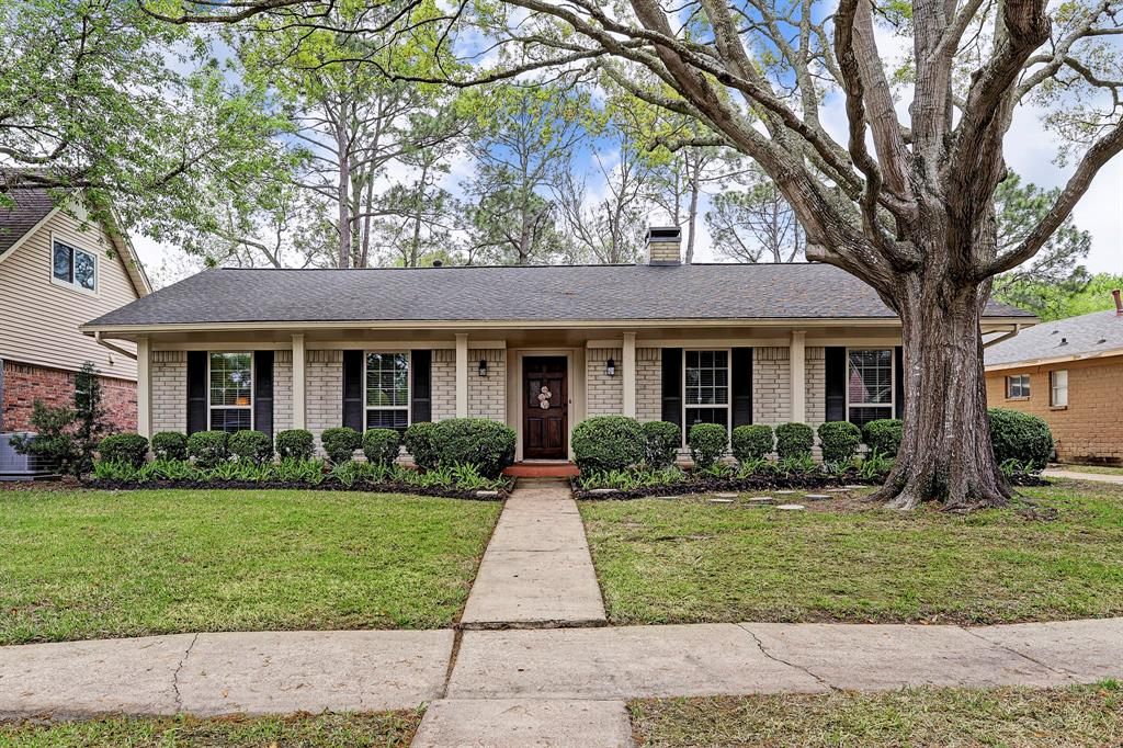 Photo for 12311 Attlee Drive, Houston, TX 77077 (MLS # 48114527)