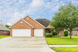 Photo of 119 Majestic Oak Circle, Lake Jackson, TX 77566 (MLS # 51737180)