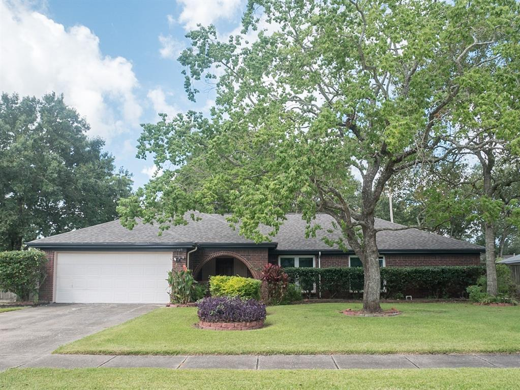 Photo for 409 Coral Lilly Drive, League City, TX 77573 (MLS # 5187072)