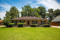 Photo of 414 That Way Street, Lake Jackson, TX 77566 (MLS # 52457230)