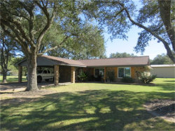 Photo of 425 Charlene, El Campo, TX 77437 (MLS # 52462296)