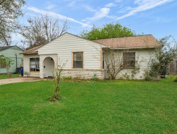 Photo of 401 Evans Street, Angleton, TX 77515 (MLS # 52751350)