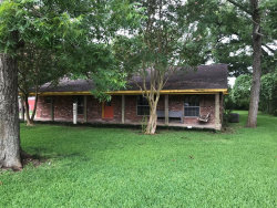 Photo of 242 Sleepy Hollow Drive, Lake Jackson, TX 77566 (MLS # 5382772)