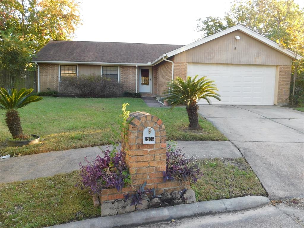 Photo for 1303 Pennygent Lane, Channelview, TX 77530 (MLS # 54375129)