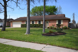 Photo of 214 Crepe Myrtle, Lake Jackson, TX 77566 (MLS # 57901459)