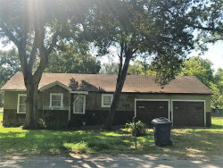 Photo of 401 W 2nd Street, El Campo, TX 77437 (MLS # 58063190)