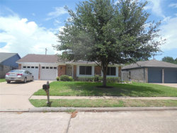 Photo of 11422 Scottsdale Drive, Meadows Place, TX 77477 (MLS # 60329239)