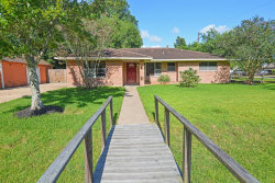 Photo of 2409 Halbert Drive, Pearland, TX 77581 (MLS # 60655383)