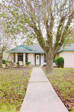 Photo of 201 Red Oak Circle, Brazoria, TX 77422 (MLS # 61107391)