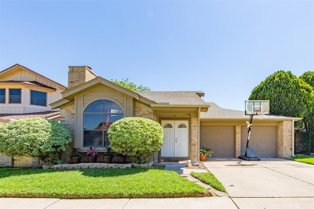 Photo for 7823 Poitiers Drive, Houston, TX 77071 (MLS # 69527148)