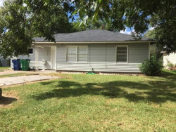 Photo of 1225 Chevy Chase Drive, Angleton, TX 77515 (MLS # 69759114)