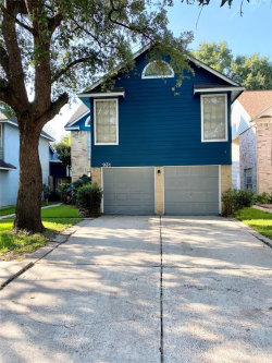 Photo of 931 Hartman Drive, Baytown, TX 77521 (MLS # 70952685)