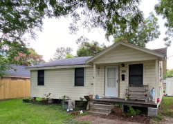 Photo of 200 W Marion, Clute, TX 77531 (MLS # 7188837)