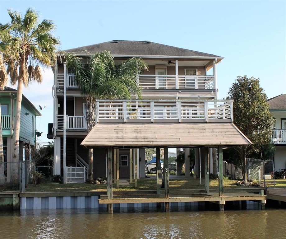 Photo for 74 Tarpon Street, Bayou Vista, TX 77563 (MLS # 72866184)