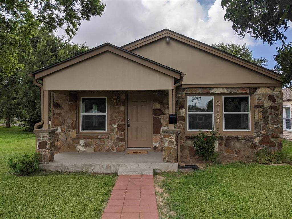 Photo for 2104 N 4th Avenue N, Texas City, TX 77590 (MLS # 76376186)