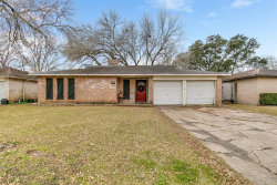 Photo of 17010 Tibet Road, Friendswood, TX 77546 (MLS # 7790423)