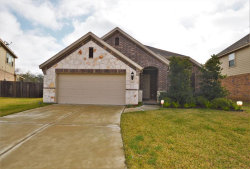 Photo of 2801 Country Club Crossing Drive, Pearland, TX 77581 (MLS # 78417168)
