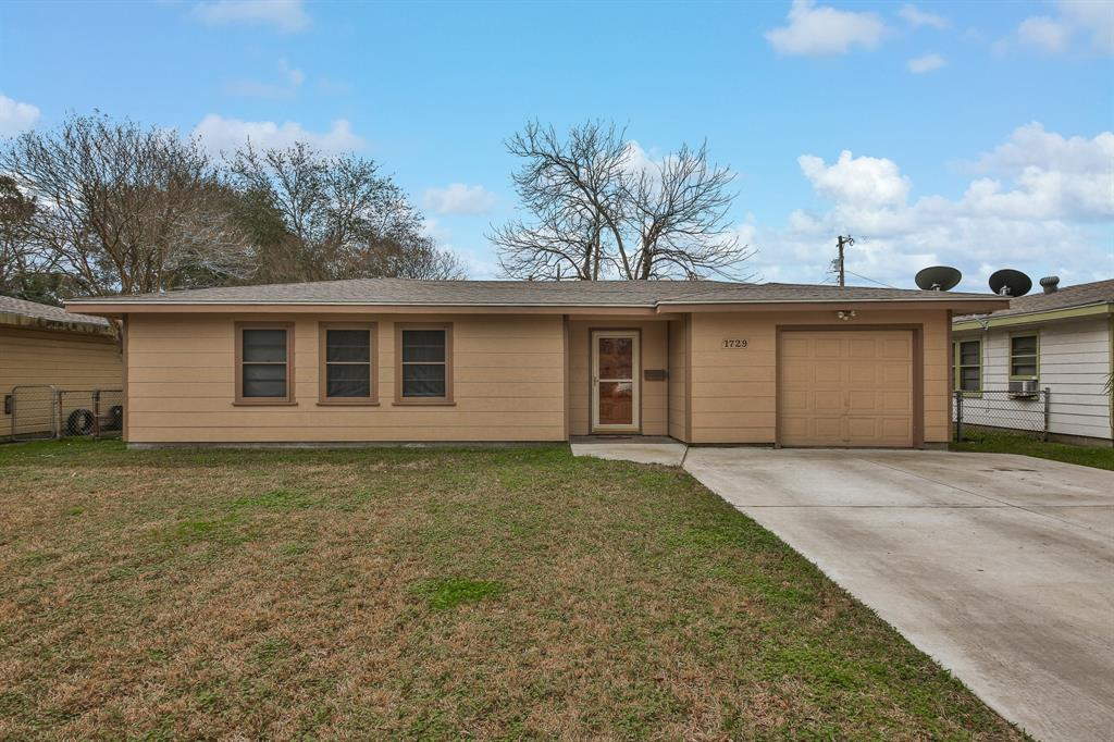Photo for 1729 2nd Avenue N, Texas City, TX 77590 (MLS # 78871281)