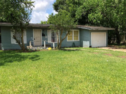 Photo of 406 Winding Way Street, Lake Jackson, TX 77566 (MLS # 84824925)
