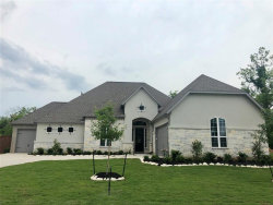 Photo of 108 Lakeshore Court, Clute, TX 77531 (MLS # 86993933)