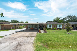 Photo of 510 Lyndale Drive, Highlands, TX 77562 (MLS # 87850206)
