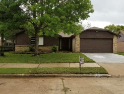 Photo of 911 W PRIMROSE MEADOWS Circle, Pearland, TX 77584 (MLS # 88450698)