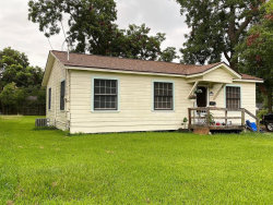 Photo of 138 W Marion, Clute, TX 77531 (MLS # 88936747)