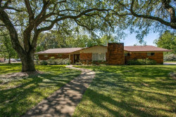 Photo of 616 Cannan Drive, Angleton, TX 77515 (MLS # 89676921)