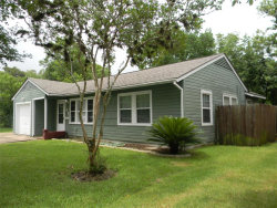 Photo of 107 Laurel Street, Lake Jackson, TX 77566 (MLS # 90527393)
