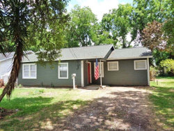 Photo of 511 Cobb Street, Clute, TX 77531 (MLS # 95508542)