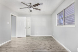 Tiny photo for 1099 Redfish Street, Bayou Vista, TX 77563 (MLS # 95794671)