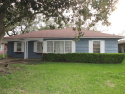 Photo of 115 Sycamore Street, Lake Jackson, TX 77566 (MLS # 9631838)