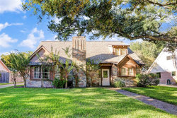 Photo of 16222 Lakeview Drive, Jersey Village, TX 77040 (MLS # 96984219)